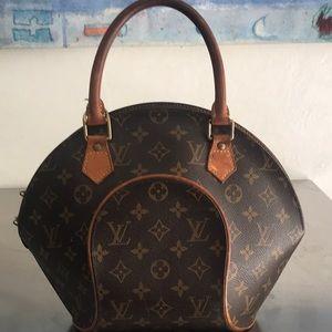 Louis Vuitton Ellipse handbag